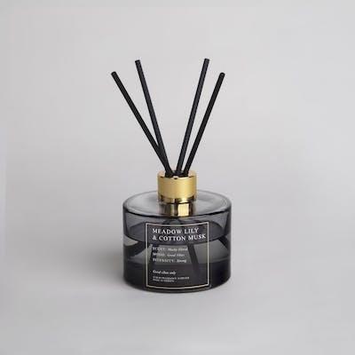 Doftpinnar 200 ml Meadow Lily & Cotton Musk